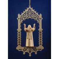 Benedict XVI in niche
